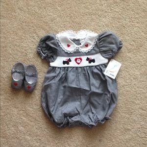 NWT baby 2 piece outfit set